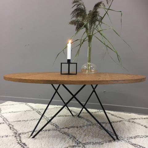 Rundt sofabord p? jernben - SOLGT - Lopper med nostalgi