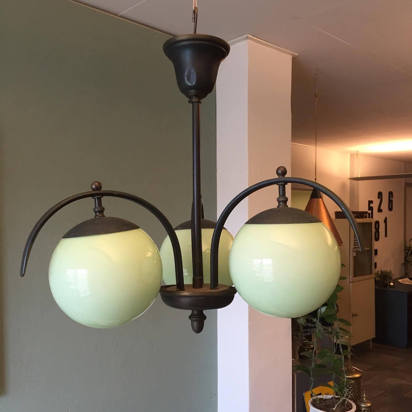 flot art deco lampe fra 1930 erne solgt lopper med nostalgi. Black Bedroom Furniture Sets. Home Design Ideas